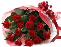 Diyarbakır ucuz çiçek gönder  10 adet kipkirmizi güllerden buket tanzimi
