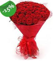 51 adet kırmızı gül buketi özel hissedenlere  Diyarbakır yurtiçi ve yurtdışı çiçek siparişi