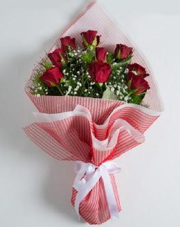 9 adet kırmızı gülden buket  Diyarbakır çiçek online çiçek siparişi