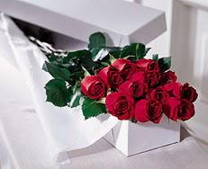 Diyarbakır çiçek online çiçek siparişi  özel kutuda 12 adet gül