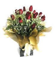 Diyarbakır İnternetten çiçek siparişi  11 adet kirmizi gül  buketi