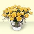 Diyarbakır hediye sevgilime hediye çiçek  11 adet sari gül cam yada mika vazo içinde