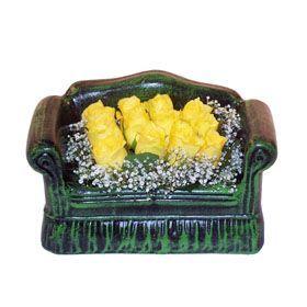 Seramik koltuk 12 sari gül   Diyarbakır çiçek mağazası , çiçekçi adresleri
