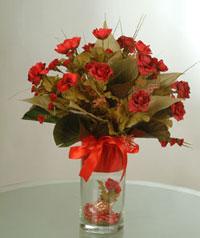 yapay güllerden vazo  9 gül  Diyarbakır çiçek satışı