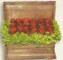 yapay güllerden sandik   Diyarbakır çiçek gönderme