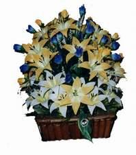 yapay karisik çiçek sepeti   Diyarbakır anneler günü çiçek yolla