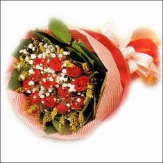 12 adet kirmizi gül buketi   Diyarbakır çiçek yolla , çiçek gönder , çiçekçi