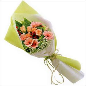 sade güllü buket demeti  Diyarbakır güvenli kaliteli hızlı çiçek