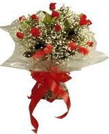 12 adet kirmizi gül buketi   Diyarbakır 14 şubat sevgililer günü çiçek