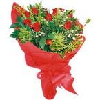 10 adet kirmizi gül buketi  Diyarbakır 14 şubat sevgililer günü çiçek