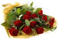 11 adet kirmizi gül buketi  Diyarbakır çiçek gönderme