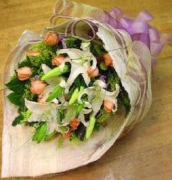Diyarbakır online çiçekçi , çiçek siparişi  11 ADET GÜL VE 1 ADET KAZABLANKA