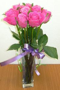 cam vazo içerisinde 11 adet gül  Diyarbakır online çiçekçi , çiçek siparişi