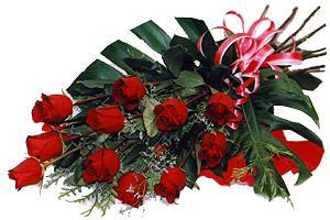 10 adet gül buketi sade ve sik bir haldedir  Diyarbakır güvenli kaliteli hızlı çiçek