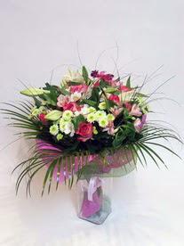 Diyarbakır kaliteli taze ve ucuz çiçekler  karisik mevsim buketi mevsime göre hazirlanir.