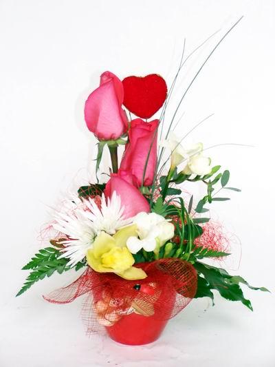Diyarbakır çiçek mağazası , çiçekçi adresleri  cam içerisinde 3 adet gül ve kir çiçekleri