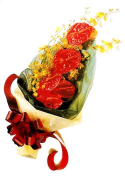 özel 5 adet antorium buketi   Diyarbakır uluslararası çiçek gönderme