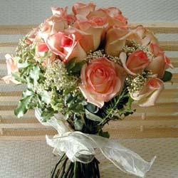 12 adet sonya gül buketi    Diyarbakır anneler günü çiçek yolla