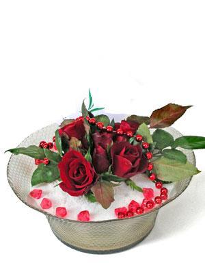 Diyarbakır çiçek gönderme sitemiz güvenlidir  EN ÇOK Sevenlere 7 adet kirmizi gül mika yada cam tanzim
