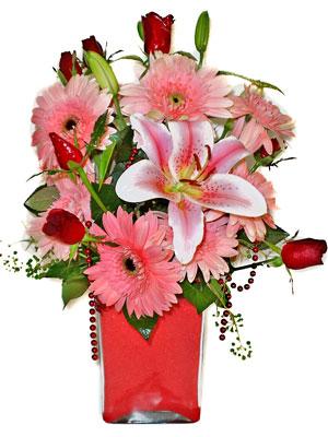 Diyarbakır çiçek gönderme  karisik cam yada mika vazoda mevsim çiçekleri mevsim demeti
