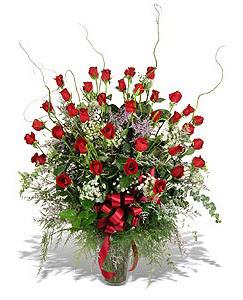 Diyarbakır yurtiçi ve yurtdışı çiçek siparişi  33 adet kirmizi gül vazo içerisinde