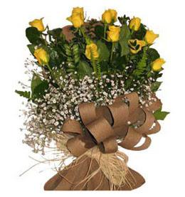 Diyarbakır 14 şubat sevgililer günü çiçek  9 adet sari gül buketi