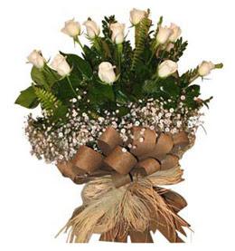 Diyarbakır hediye sevgilime hediye çiçek  9 adet beyaz gül buketi