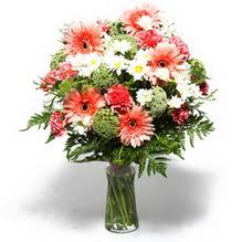 Diyarbakır çiçek yolla , çiçek gönder , çiçekçi   cam yada mika vazo içerisinde karisik demet çiçegi