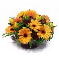 gerbera ve kir çiçek masa aranjmani  Diyarbakır çiçek gönderme sitemiz güvenlidir