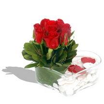 Mika kalp içerisinde 9 adet kirmizi gül  Diyarbakır çiçek siparişi sitesi