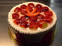 Meyvali yas pasta 4 ile 6 kisilik pasta  Diyarbakır yurtiçi ve yurtdışı çiçek siparişi