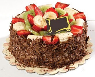 pastaci firmasindan 4 ile 6 kisilik çikolata meyvali yaspasta  Diyarbakır yurtiçi ve yurtdışı çiçek siparişi