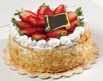 uygun pastaneler 4 ile 6 kisilik çilekli yas pasta lezzetli  Diyarbakır çiçek gönderme sitemiz güvenlidir