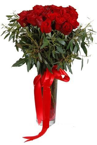 15 adet kirmizi gül cam vazo içerisinde  Diyarbakır online çiçekçi , çiçek siparişi