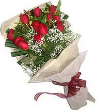 11 adet kirmizi güllerden özel buket  Diyarbakır İnternetten çiçek siparişi