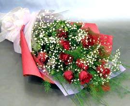 10 adet kirmizi gül çiçegi gönder  Diyarbakır ucuz çiçek gönder