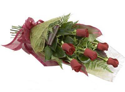 ucuz çiçek siparisi 6 adet kirmizi gül buket  Diyarbakır yurtiçi ve yurtdışı çiçek siparişi