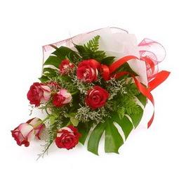 Çiçek gönder 9 adet kirmizi gül buketi  Diyarbakır çiçek gönderme sitemiz güvenlidir