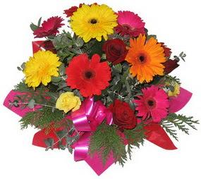 Karisik mevsim çiçeklerinden buket  Diyarbakır hediye çiçek yolla