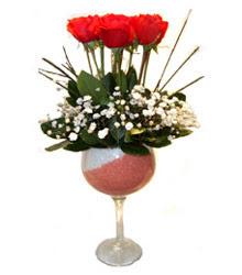Diyarbakır çiçek yolla , çiçek gönder , çiçekçi   cam kadeh içinde 7 adet kirmizi gül çiçek