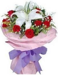 9 adet kirmizi gül 1 adet kazablanka buketi  Diyarbakır güvenli kaliteli hızlı çiçek