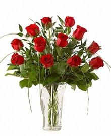 cam yada mika vazo içerisinde 9 kirmizi gül  Diyarbakır yurtiçi ve yurtdışı çiçek siparişi