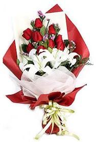 Diyarbakır kaliteli taze ve ucuz çiçekler  9 adet gül 2 adet kazablanka buketi