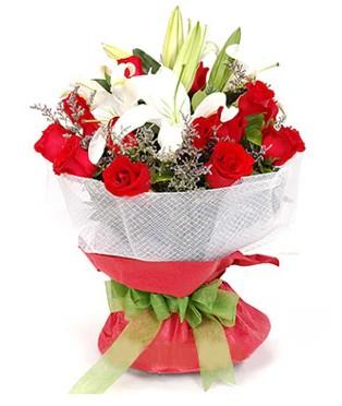 Diyarbakır kaliteli taze ve ucuz çiçekler  1 dal kazablanka 11 adet kırmızı gül buketi