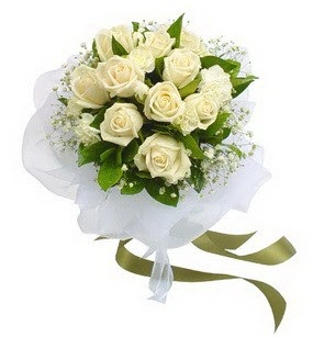 Diyarbakır online çiçek gönderme sipariş  11 adet benbeyaz güllerden buket