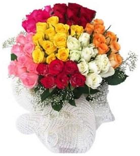 Diyarbakır hediye sevgilime hediye çiçek  51 adet farklı renklerde gül buketi