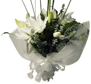 Diyarbakır güvenli kaliteli hızlı çiçek  2 dal kazablanka çiçek buketi