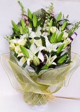 Diyarbakır çiçek siparişi sitesi  3 adet kazablankalardan görsel buket çiçeği