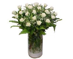 Diyarbakır çiçek siparişi vermek  cam yada mika Vazoda 12 adet beyaz gül - sevenler için ideal seçim
