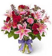 Vazo içerisinde karışık mevsim çiçeği  Diyarbakır yurtiçi ve yurtdışı çiçek siparişi